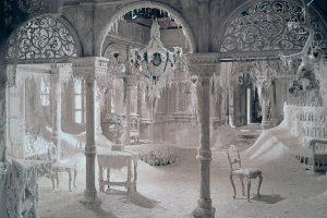 Dr.-Zhivago-ice-palace-interior-Varykino